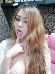 Pimpika Heeparkinson sexy tongue