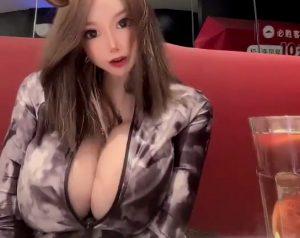 Menglu Veronica big tits