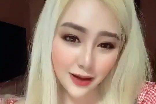 Pimpika Heeparkinson blonde hair